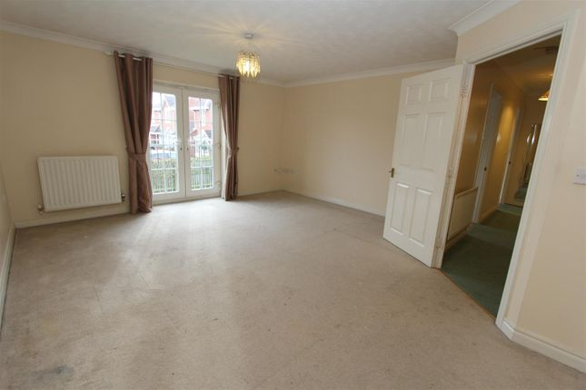 Thumbnail Flat to rent in Kensington Way, Leeds