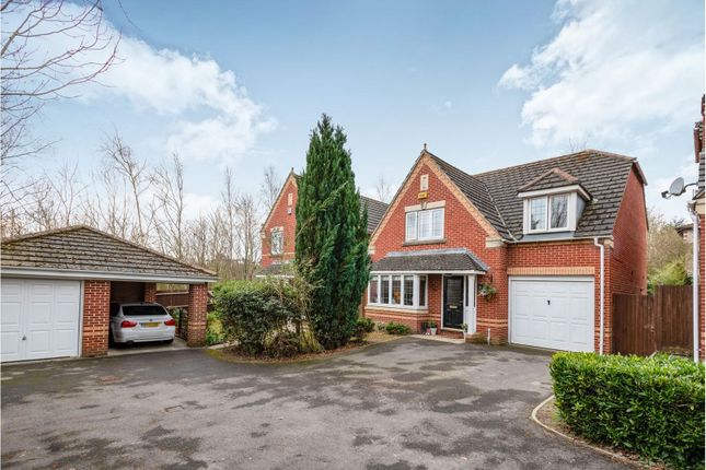 Thumbnail Detached house for sale in Basingfield Close, Basingstoke