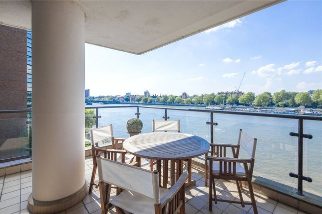 Thumbnail Flat for sale in Waterside Point, Battersea
