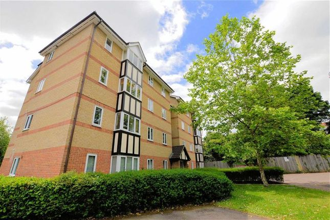 Thumbnail Block of flats to rent in Woodland Grove, Epping