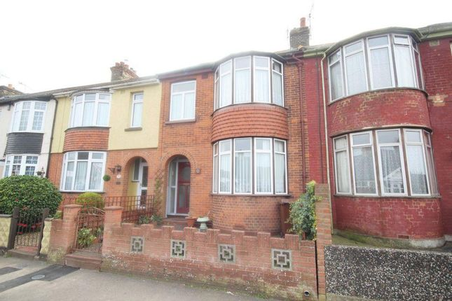 Thumbnail Terraced house to rent in Watling Avenue, Gillingham
