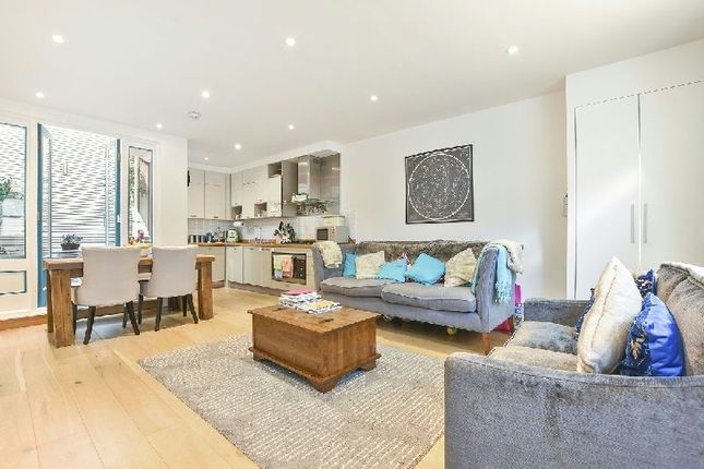 Thumbnail Mews house for sale in Cobble Mews, Highgate West Hill, London