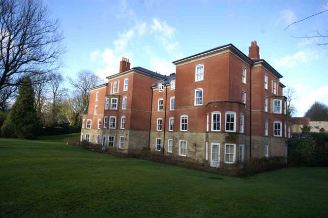 Flat to rent in Bloomfields, Heaton, Bolton