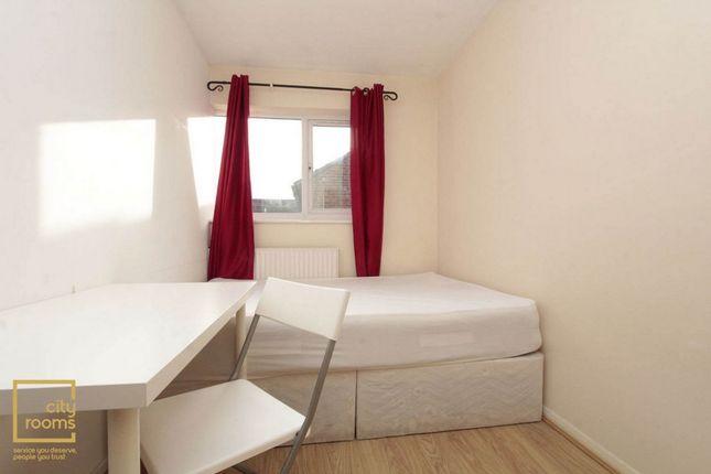Room to rent in Corfield Street, Bethnal Green