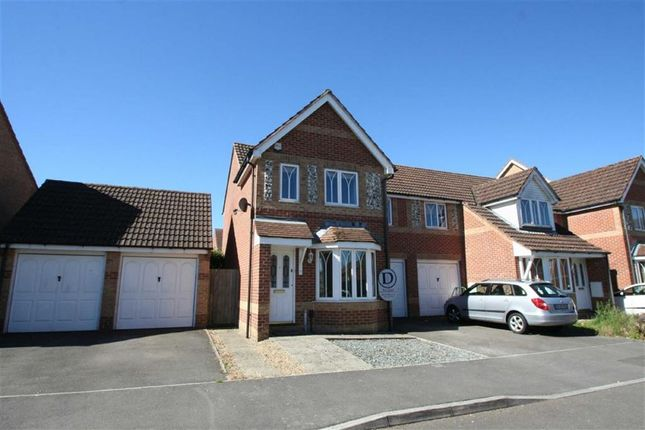 Thumbnail Semi-detached house to rent in Horseshoe End, Newbury