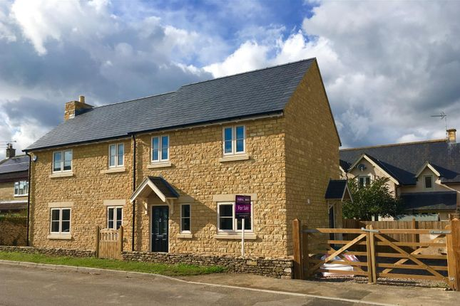 Thumbnail Detached house for sale in Chestnut Road, Sutton Benger