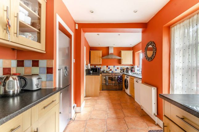 Thumbnail Terraced house to rent in Aspen Gardens, Mitcham