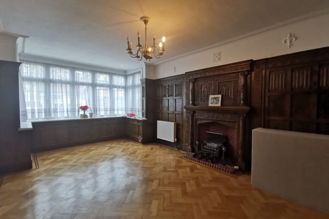 Thumbnail Detached house to rent in Lake View, Canons Park, Edgware