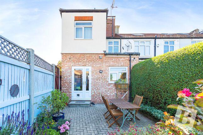 Picture No. 04 of Heathcote Grove, London E4