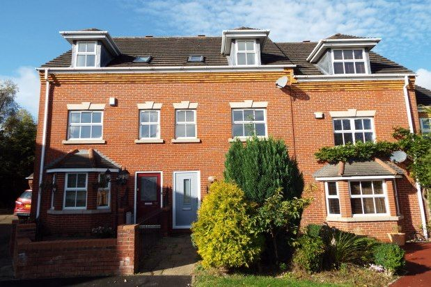 3 bed property to rent in Foxtail Way, Cannock WS12