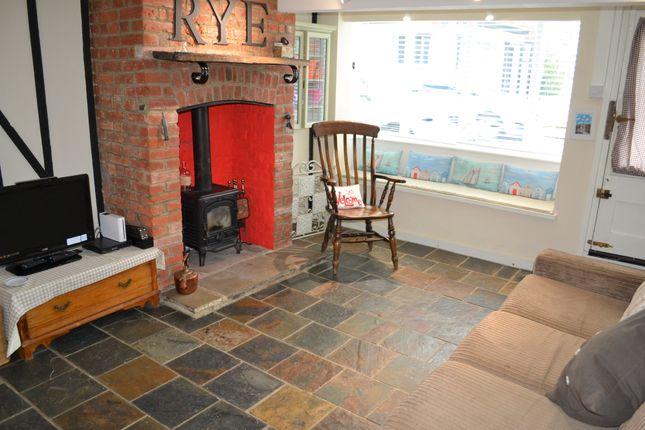 Thumbnail Semi-detached house for sale in Landgate, Rye