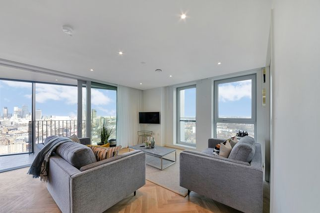 Thumbnail Flat to rent in Two Fifty One, Southwark Bridge Road, Elephant & Castle