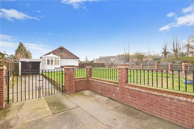 Thumbnail Bungalow for sale in Downs Road, Meopham, Kent