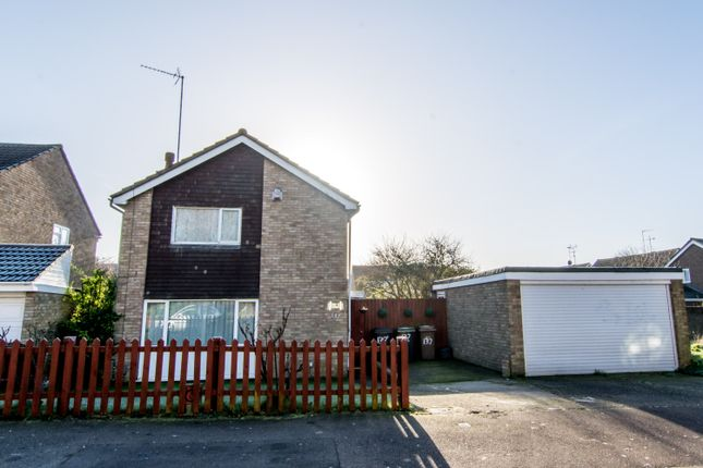3 bed detached house for sale in Butely Road, Luton