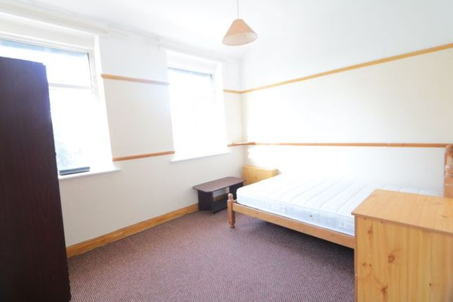 Flat to rent in Manchester Road, Whalley Range