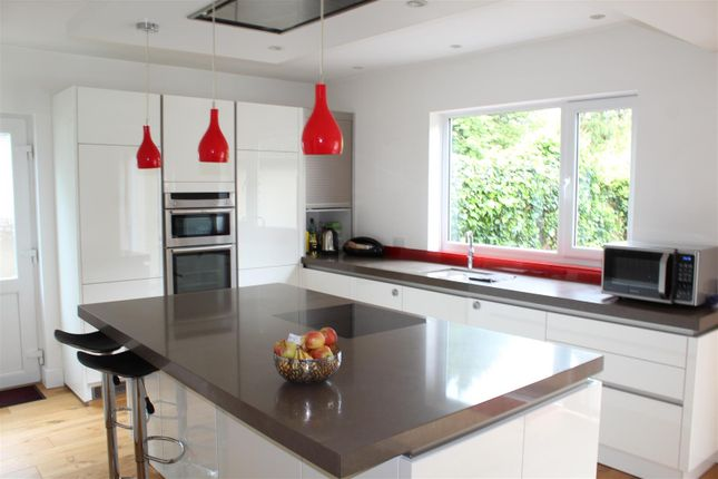 Thumbnail Detached house to rent in Georges Wood Road, Brookmans Park, Hatfield