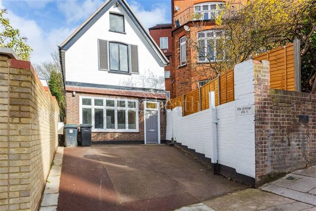 Thumbnail Property to rent in Netherhall Gardens, Hampstead, London