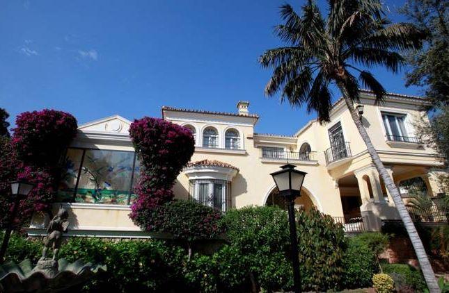 Thumbnail Villa for sale in La Carihuela, Torremolinos, Andalucia, Spain