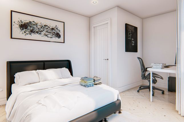 Thumbnail Shared accommodation to rent in Saxony Road, Kensington