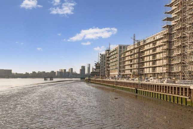 Thumbnail Flat for sale in Sienna, Royal Wharf, Royal Docks, London With Parking