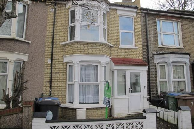 Room to rent in Acacia Road, Walthamstow, London