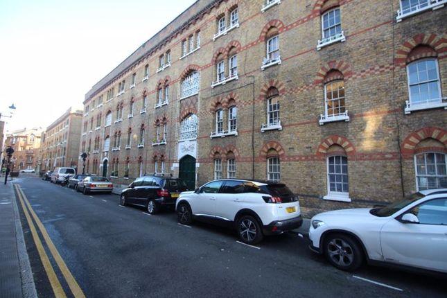 1 bed flat to rent in Rawstorne Street, London EC1V