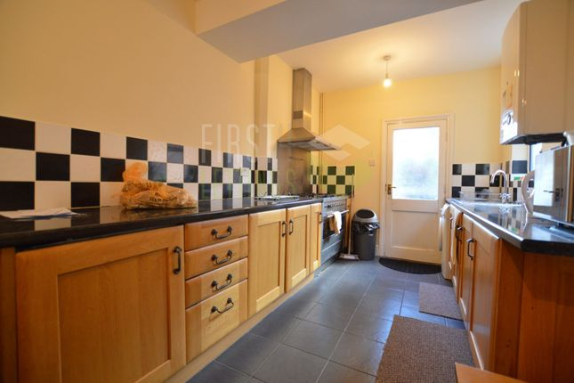 4 bed terraced house to rent in Mayfield Road, Evington LE2