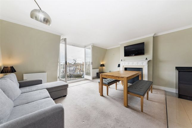 2 bed flat to rent in Cadogan Square, London SW1X