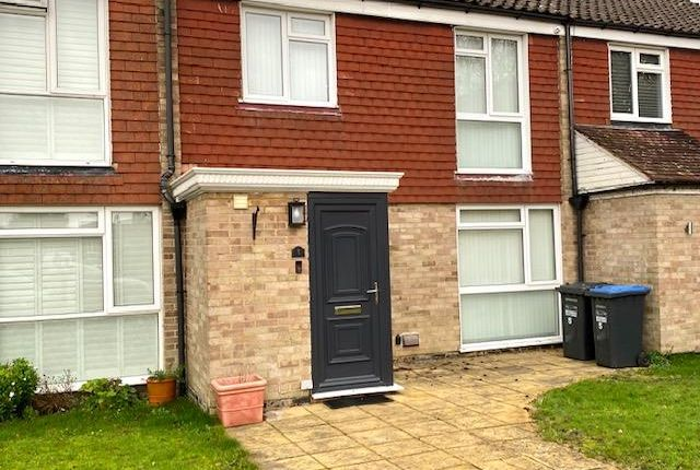 Thumbnail Property to rent in Gorse Close, Copthorne, Crawley