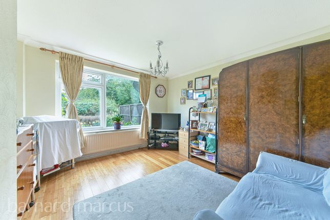 End terrace house for sale in Cumberland Close, Epsom