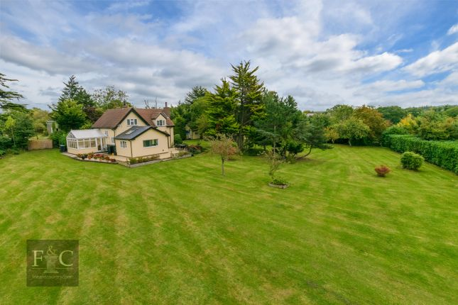 Thumbnail Property for sale in Tylers Road, Roydon Hamlet, Essex