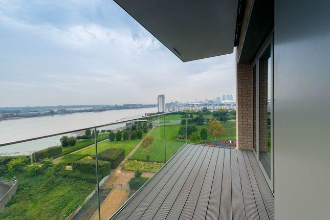 Thumbnail Flat to rent in Waterside Heights, Waterside Park, Royal Docks