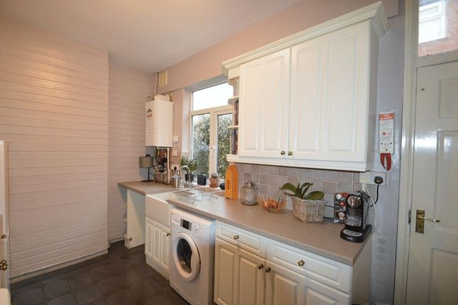 Kitchen of 100 Springfield Road, Kings Heath, Birmingham B14