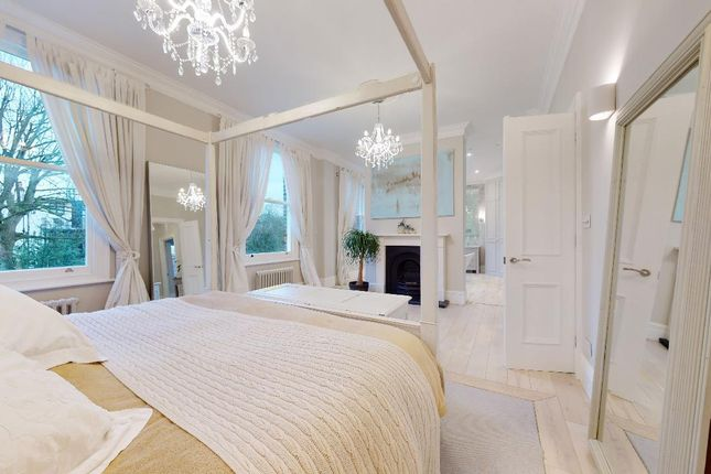 Thumbnail Semi-detached house to rent in Avenue Gardens, London