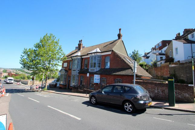 Thumbnail Flat to rent in Port Hall Avenue, Brighton
