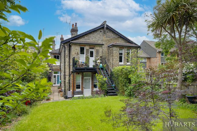 3 bed flat for sale in Alexandra Park Road, London N22