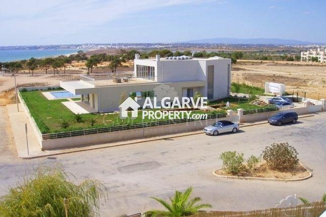 Thumbnail Villa for sale in Galé, Albufeira, Algarve