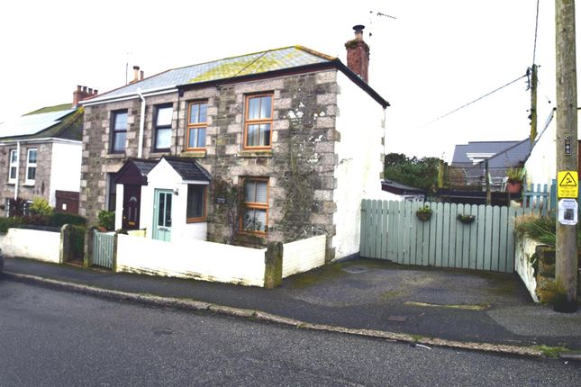 Thumbnail Cottage to rent in Unity Road, Porthleven, Helston