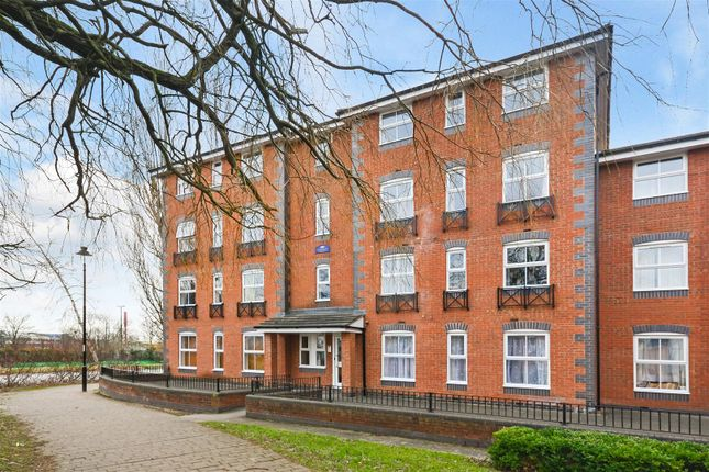 Thumbnail Flat for sale in Drapers Fields, Canal Basin, Coventry