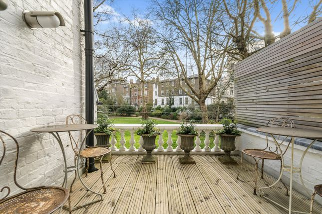 Thumbnail Flat to rent in Stanley Crescent, Notting Hill, London