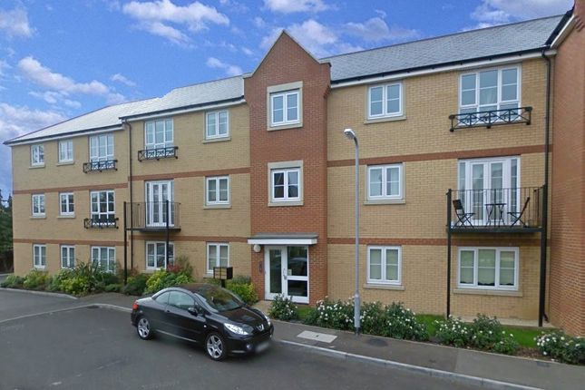 1 bed flat to rent in Bridge Road, Wickford, Essex SS11