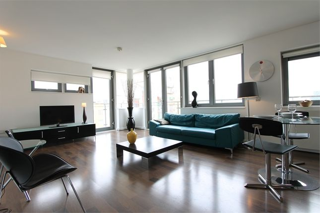 Thumbnail Flat to rent in Newton Lodge, West Parkside, London
