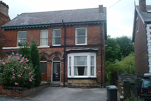 2 bed flat to rent in Southgrove Road, Sheffield