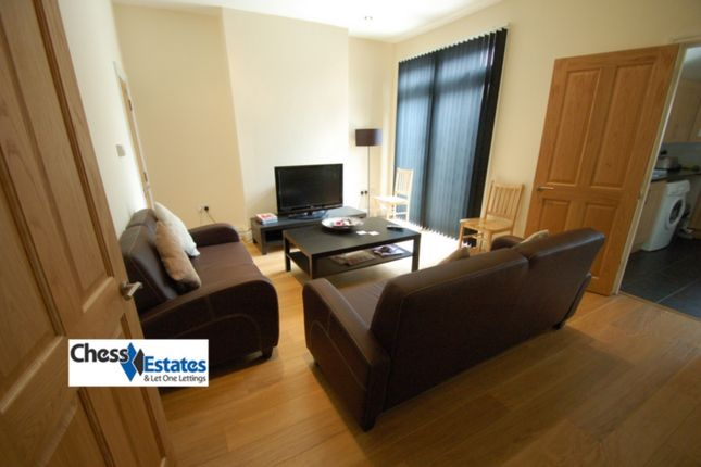 Thumbnail Terraced house to rent in Woodville Gardens, Golders Green