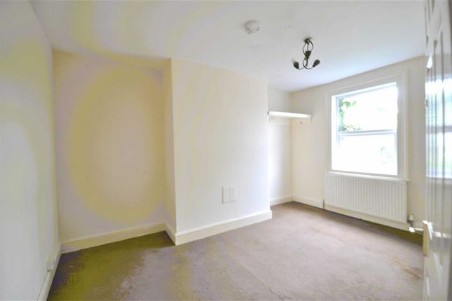 Thumbnail Town house for sale in Wellington Street, Gloucester