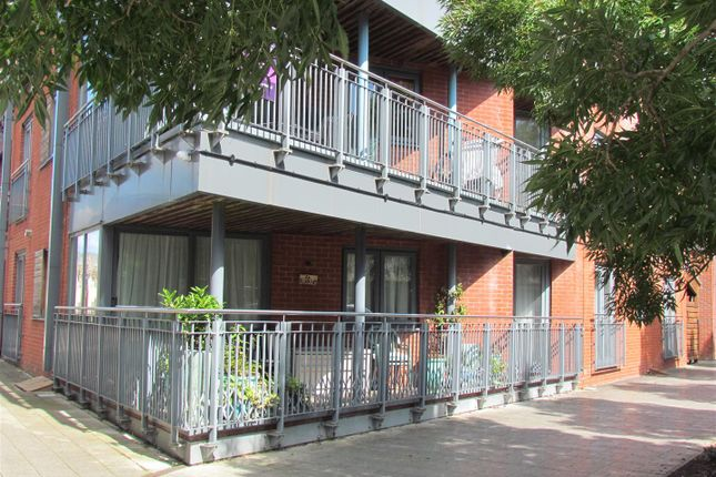 Thumbnail Flat for sale in Basin Road, Worcester