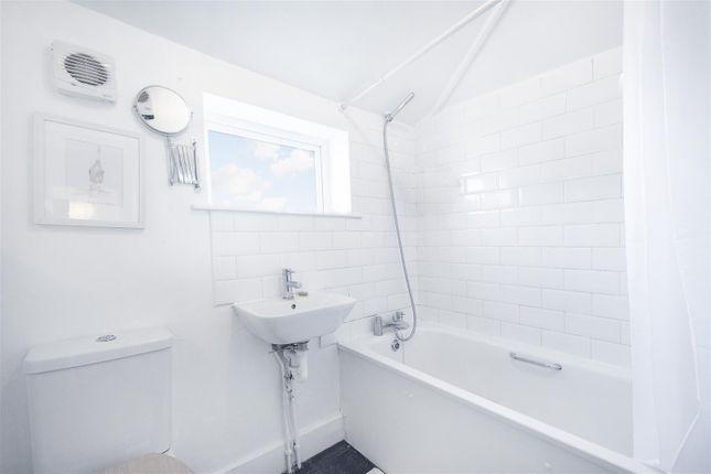Bathroom 1 of Tara House, High Road, Leyton, London E10