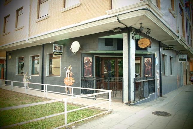 Restaurant/cafe for sale in Los Corrales De Buelna, Spain