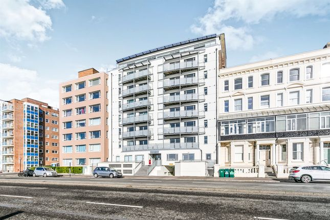 Flat for sale in Horizon, Kingsway, Hove