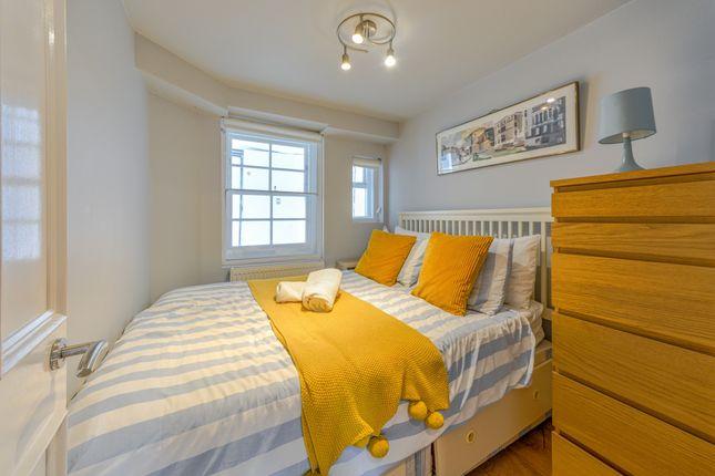 Bedroom of New Kent Road, London SE1